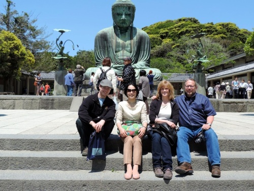 Just chillin' in front of the Daibutsu in Kamakura.